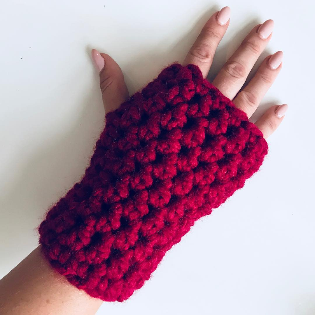 Stylish And Easy Free Crochet Gloves With Fingers Pattern Images For